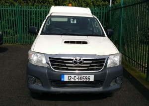 white-hilux-front-wc4x4